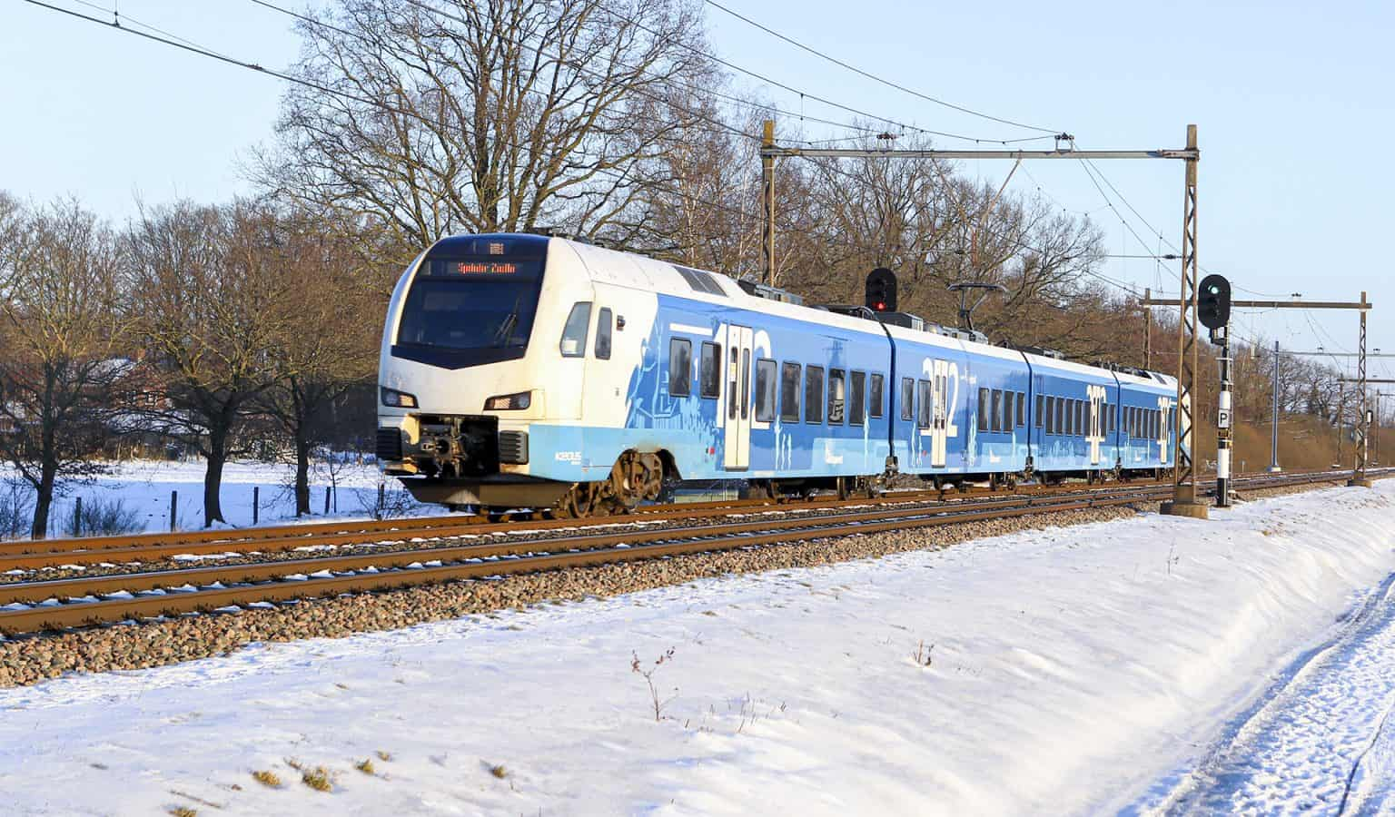 Keolis stel 7403 als stoptrein bij Zenderen, 11-02-2021.-GF